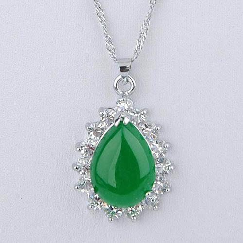 colgante jade verde ritual