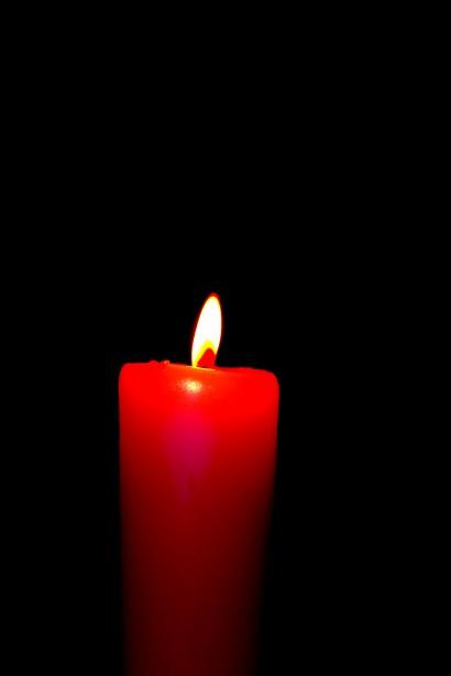 para que sirve la vela roja