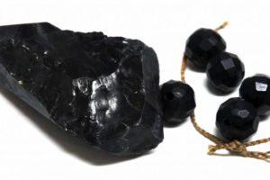 La poderosa piedra de azabache