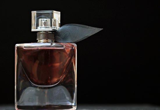 perfumes con vomito de ballena
